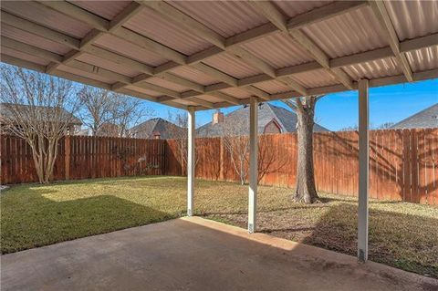 Photo of 1812 Pebblebrook Ln, Sherman, TX 75092