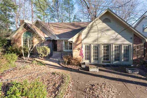 7700 Autumn Creek Dr, Cordova, TN 38018