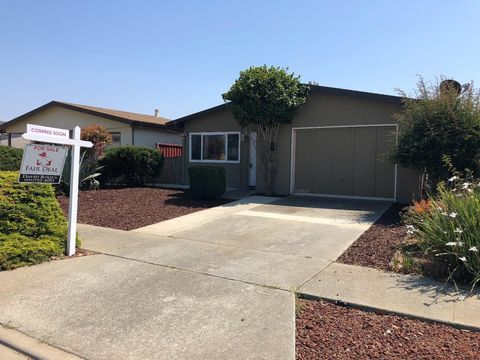 618 Atri Ct, Watsonville, CA 95076
