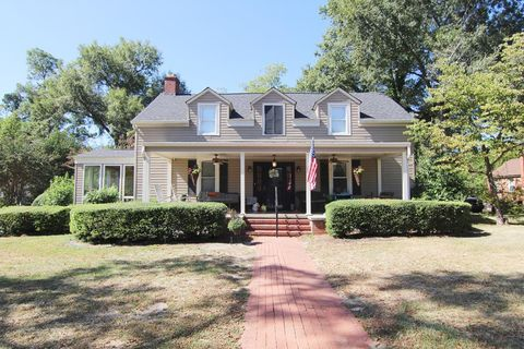 Photo of 431 Pine St, Waynesboro, GA 30830