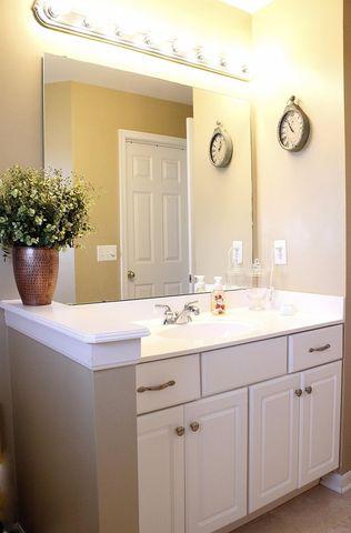 6773 Mossy Rock Ct, Hamilton Township, OH 45039 - Bathroom