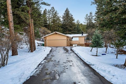 Photo of 6096 S Pike Dr, Larkspur, CO 80118