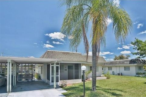 2321 Magnolia Ct, Lehigh Acres, FL 33936