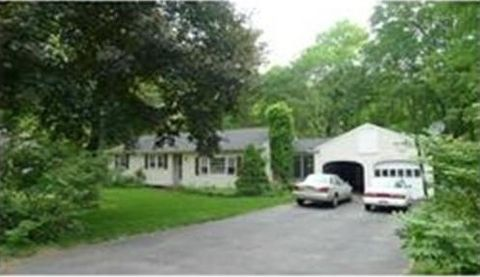 28 Brucewood Rd, Acton, MA 01720