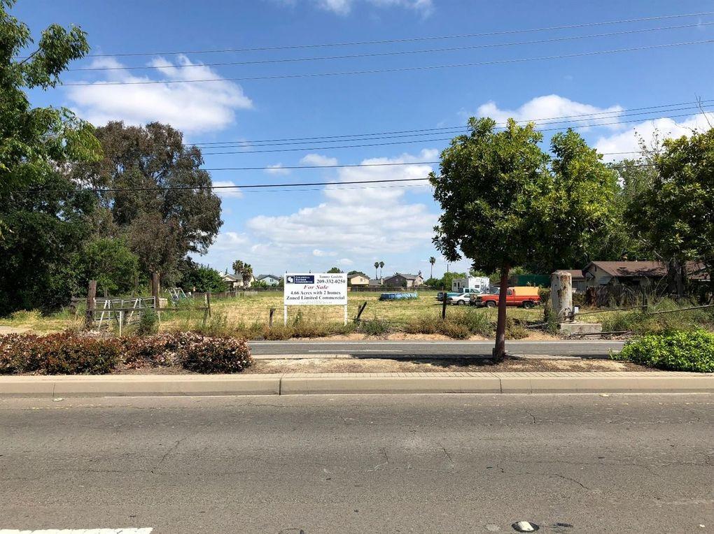 8533 Gerber Rd, Sacramento, CA 95828