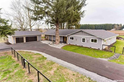 11471 S Highway 211, Molalla, OR 97038