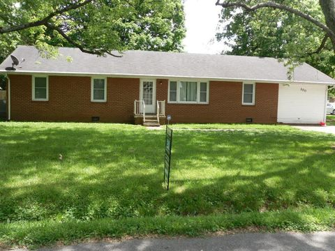 Photo of 300 Blane Dr, Hopkinsville, KY 42240