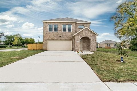 Photo of 136 Mitchell Cir, Terrell, TX 75160