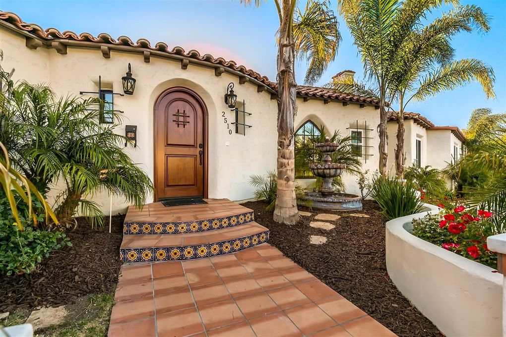 2510 Poinsettia Dr, San Diego, CA 92106