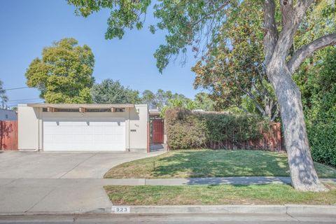 923 Brookgrove Ln, Cupertino, CA 95014