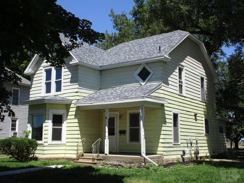 Photo of 302 State St, Liscomb, IA 50148