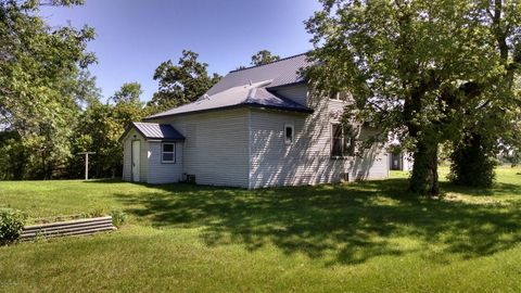 56392 Buds Barn Rd, Parkers Prairie, MN 56361