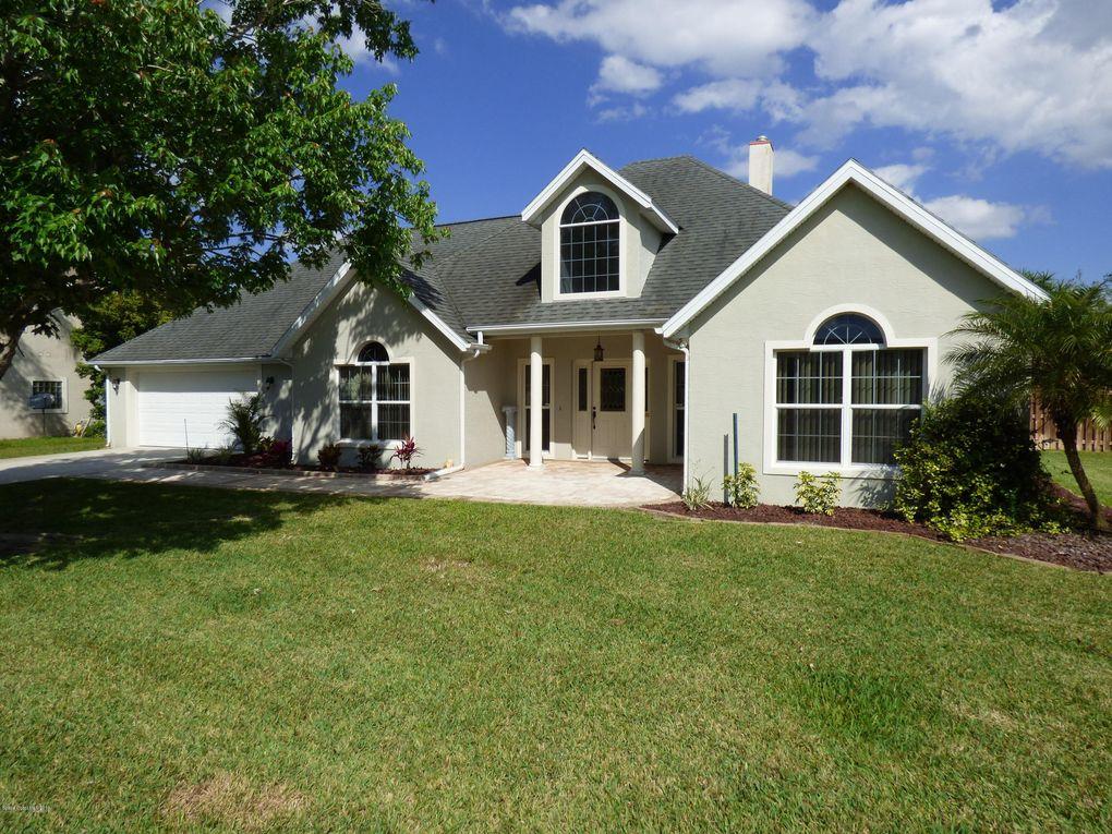 4577 Helena Dr, Titusville, FL 32780