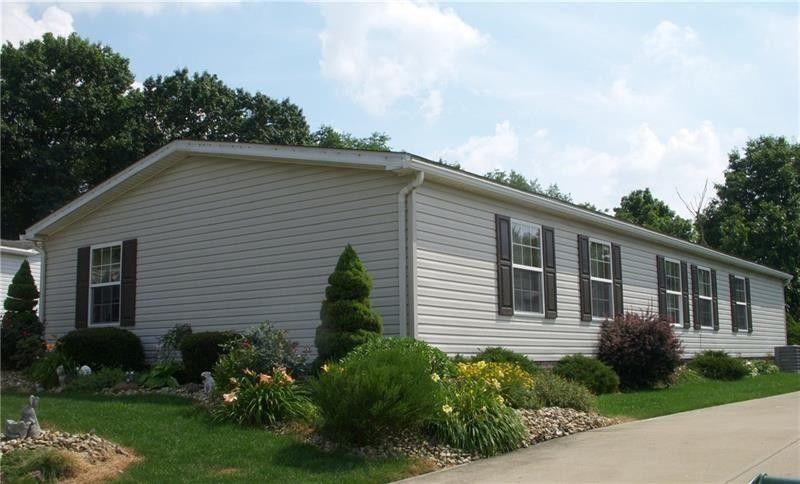 211 Rock Lake Dr, Jackson Township, PA 16063