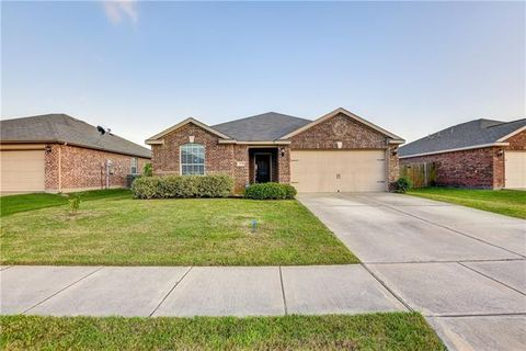 Photo of 3209 Overstreet Ln, Royse City, TX 75189