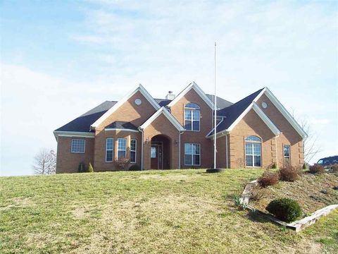 7751 Pinecone Ln, Hickory, NC 28602