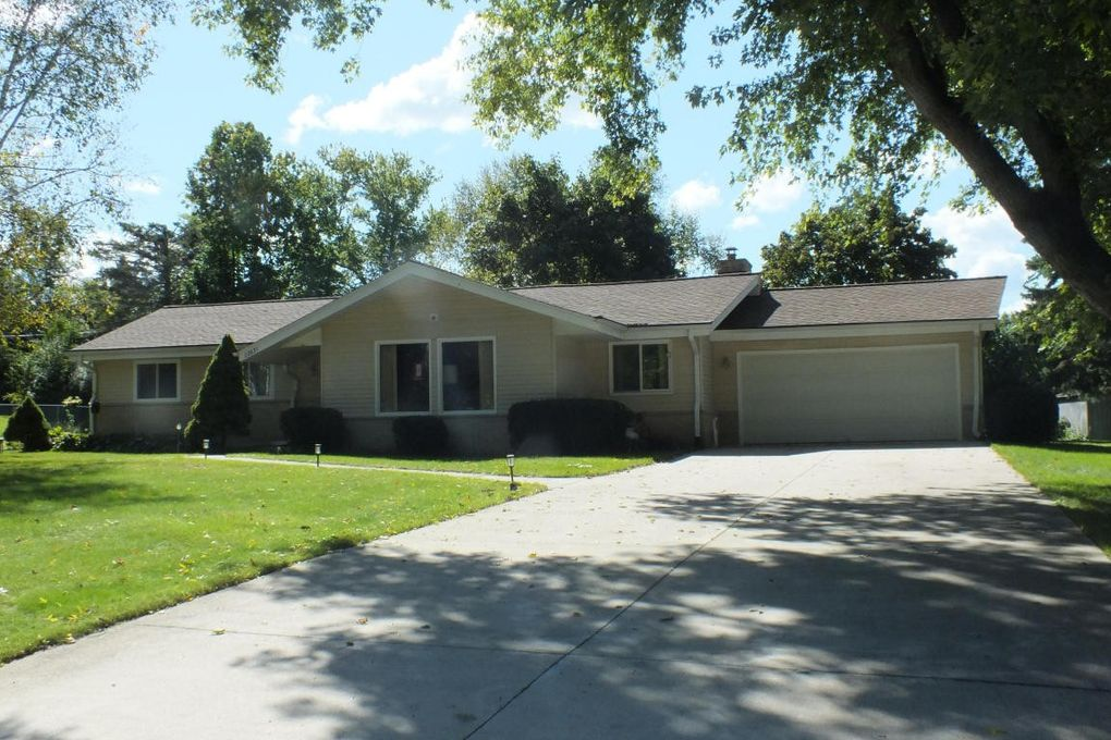 N1 w22651 takoma dr waukesha wi 53186 for Home builders in wisconsin