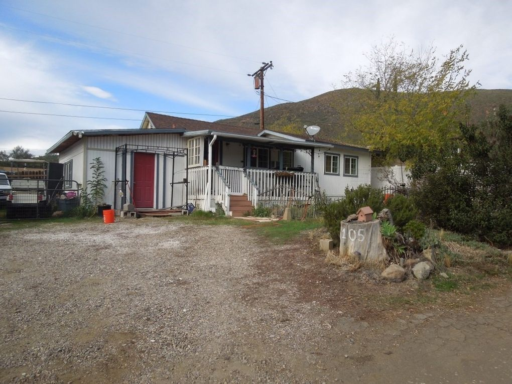 105 Willowside Ter Alpine, CA 91901