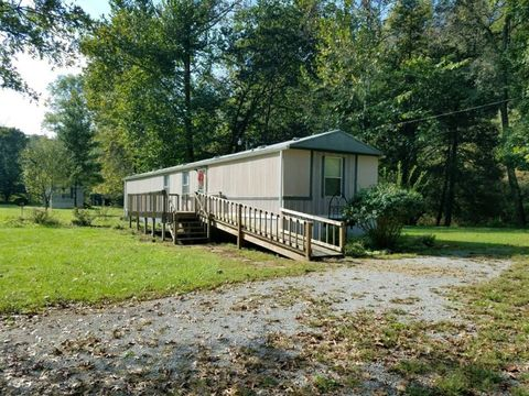 Photo of 4755 Knifley Rd, Elk Horn, KY 42733