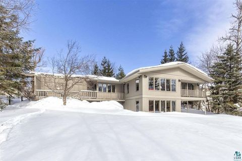 Photo of 102 Bruce St, Duluth, MN 55803