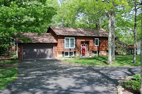 412 Noble Rd, Clarks Summit, PA 18411