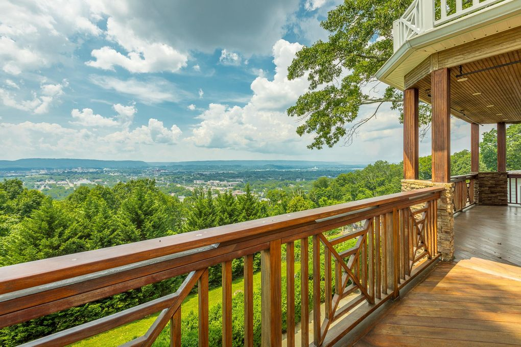 63 S Crest Rd, Chattanooga, TN 37404