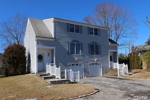 Photo of 7 Brookside Dr, Oyster Bay, NY 11771