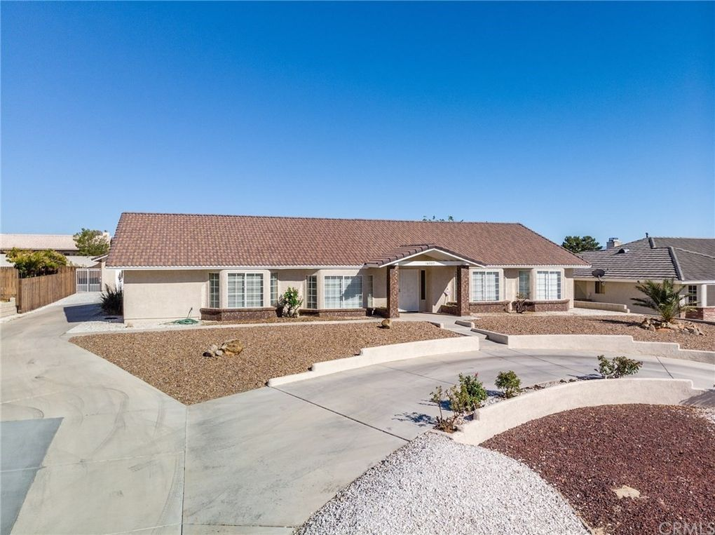 16397 Menahka Rd, Apple Valley, CA 92307