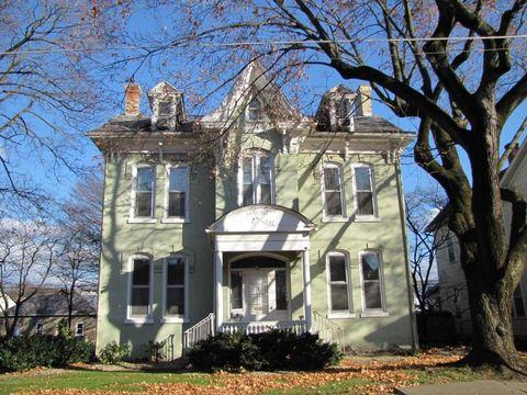 617 N Front St, Milton, PA 17847