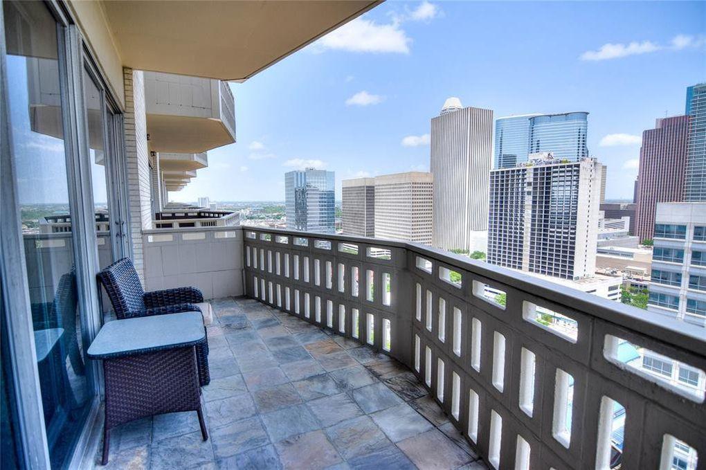 2016 Main St Apt 2101 Houston, TX 77002