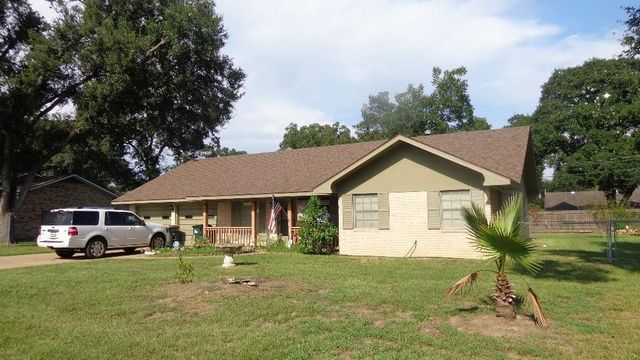 621 n fowlkes st sealy tx 77474 home for sale real