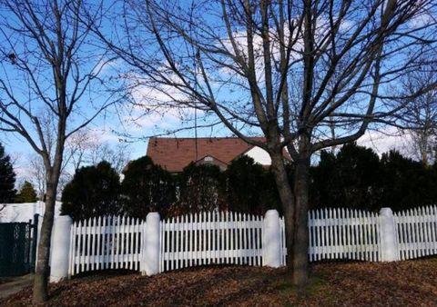 Photo of 217 Gunther Ave, Bay Shore, NY 11706
