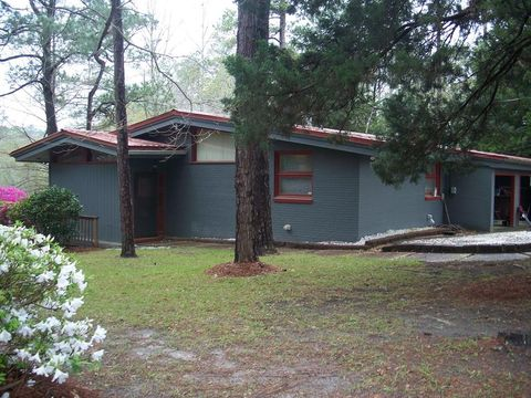 1106 Youpon Dr, Andalusia, AL 36420