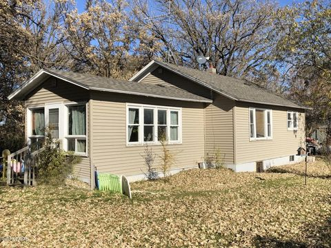Photo of 14678 Tomten Rd, Parkers Prairie, MN 56361