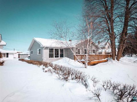 Photo of 1239 E Chapman St, Ely, MN 55731