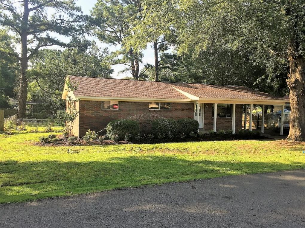 303 Hillcrest Dr, New Albany, MS 38652