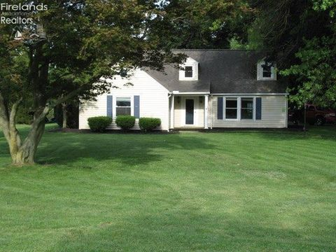 1931 Whittaker Dr, Fremont, OH 43420