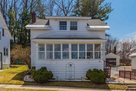 26 Vanwyck St, Gloversville, NY 12078