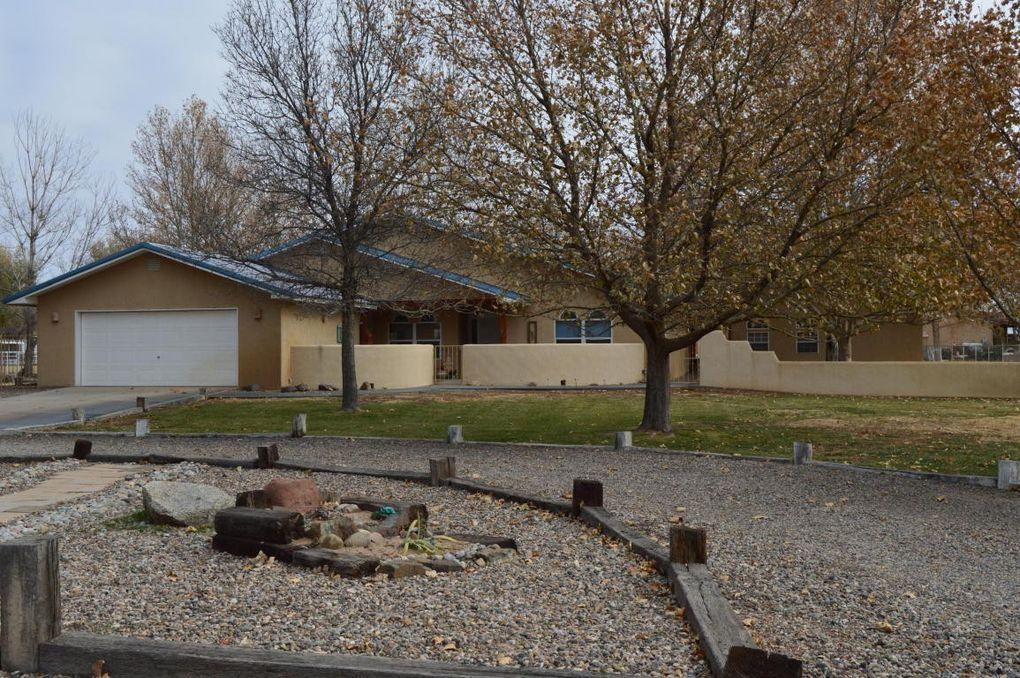 260 Del Norte Ct, Bosque Farms, NM 87068
