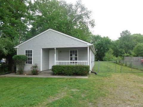 3226 Navaho St, Middletown, OH 45044