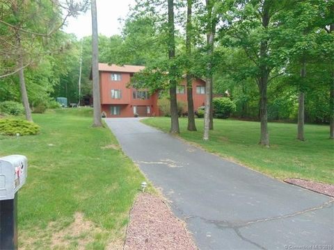 96 Harrison Dr, Wolcott, CT 06716