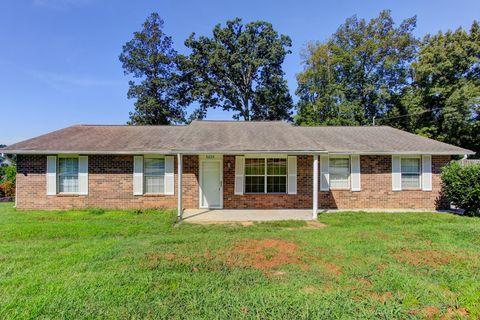 Photo of 6035 Bridge Garden Rd, Knoxville, TN 37912