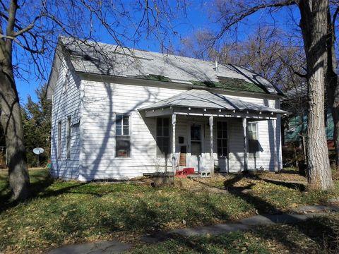 135 H St, Phillipsburg, KS 67661