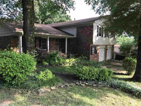 Photo of 2311 Arkansas Valley Dr, Little Rock, AR 72212