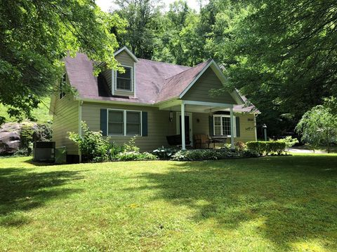 Photo of 2664 Ratliff Creek Rd, Pikeville, KY 41501