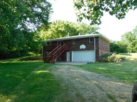 18207 W Highway 20, East Dubuque, IL 61025