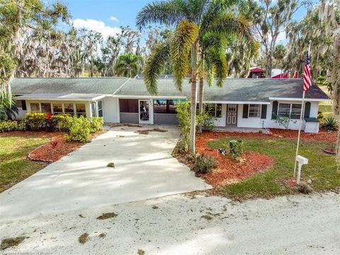 Photo of 238 Racoon Ln, Lorida, FL 33857