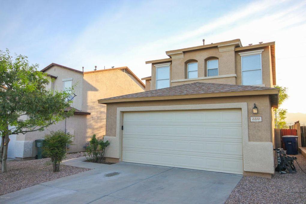 2233 S Mc Connell Dr, Tucson, AZ 85710