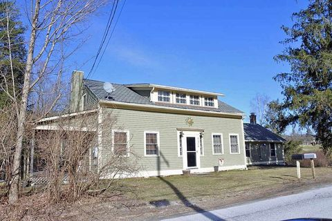 Photo of 334 West St, Middletown Springs, VT 05757