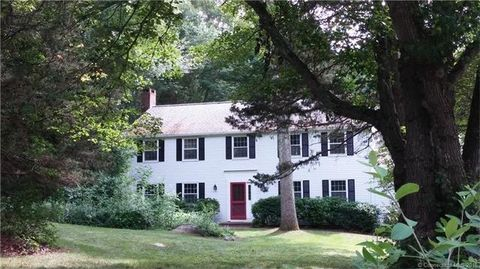 16 Forest Hills Dr, Madison, CT 06443